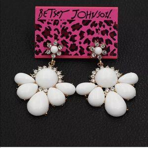 Betsey Johnson Crystal white Resin Flower Earrings
